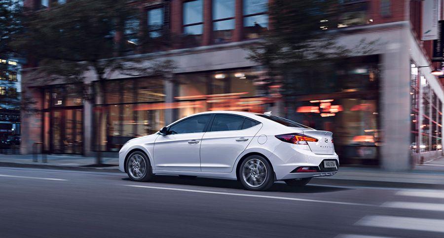 Noul Hyundai Elantra